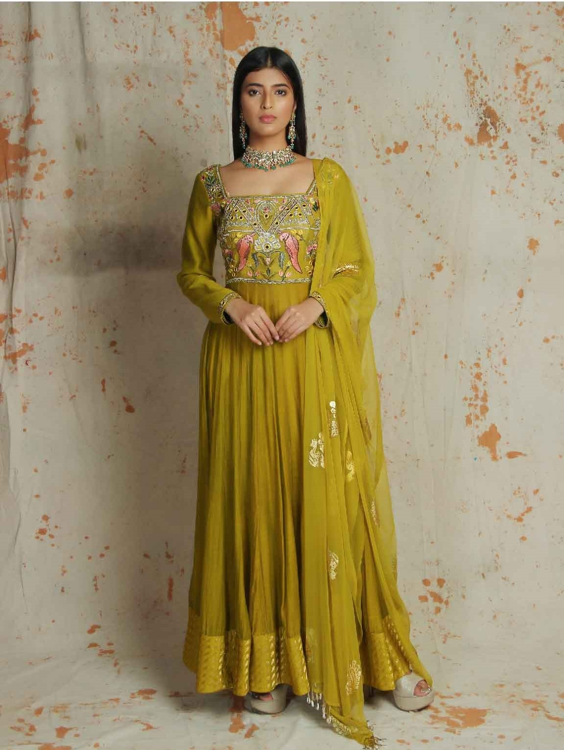 Daaria anarkali suit by karigiri